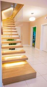 Zdjęcie nr: 8 - Schody półkowe podświetlane LED
