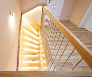 Zdjęcie nr: 5 - Schody półkowe podświetlane LED