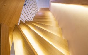 Zdjęcie nr: 4 - Schody półkowe podświetlane LED