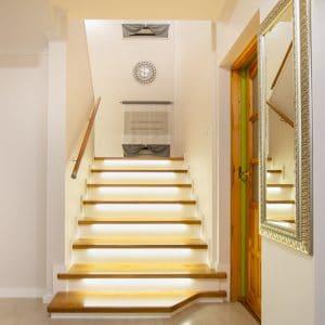 Zdjęcie nr: 1 - Schody na beton z podświetleniem LED
